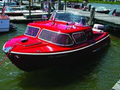 How Fiberglass Boats in the '50s & '60s Set the Style