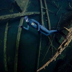 #Repost @freedivingnorway  Exploring Oslomarka. • • • •  #fridykking #freediving #dykking #diving #spearfishing #undervannsjakt #underwaterphotography #nature #wildlife #naturephotography #visitnorway #norway #freedivingart #lakediving #wildlifephotography #oslobilder #visitoslo #frivannsliv @frivannsliv #spearos_oslo #onebreath #oslomarka #oslo #norway @spearos_oslofjord #østmarka #oslove #oslo #markadykking #utpåtur #artphotography #visitoslo @dntoslo @oslobilder @visitoslomarka @