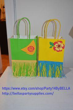 Moana favor bags - Moana party - Maui - Moana - Moana party bag 12 bags Moana favors by on Etsy Hawaiian Luau Party, Hawaiian Birthday, Hawaiian Theme, Tropical Party, Mary Birthday, Moana Birthday Party, Moana Party Bags, Moana Birthday Decorations, Maui Moana