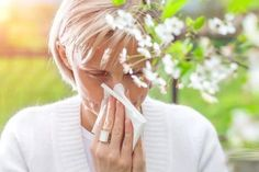 Spring Allergies: 4 drug-free solutions for spring allergy symptoms Spring Allergies, Seasonal Allergies, Causes Of Fatigue, Adrenal Fatigue, Spring Allergy Symptoms, Itchy Eyes, Medical News, Drug Free, Health Articles