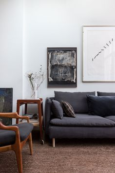 We love the mix of charcoal grey, taupe and dark wood accents Scandi Living Room, Scandi Bedroom, Living Room Sofa, Living Room Interior, Home Living Room, Living Room Designs, Charcoal Sofa Living Room, Söderhamn Sofa, Ikea Sofa