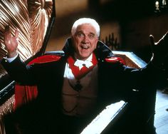 Dracula: Dead and Loving It Leslie Nielsen as Count Dracula. I don't know how many times I've seen this movie. Bram Stoker's Dracula, Count Dracula, Vampire Dracula, 90s Movies, Great Movies, Notes For Kids Lunches, Lunch Notes, Leslie Nielsen, Real Vampires