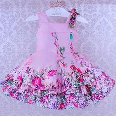 """""""Grande Amor"""" As rosas são bonitas E é uma bela flor! #amorecoinfantil #miobebe #jardimreal #rosa #flores #luxuoso #temqueter #princesa #itgirl #ig_beautiful_kids #magnifico #love 🌹🌹🍃🍃🌼🌼🍀🍀🍃🍃 Vendas: 🌷WhatsApp 62 8208-2296 🌷WhatsApp 62 8101-2323 🌷Loja Física 62 3996-0020 Enviamos para todo o Brasil e Exterior. Girls Summer Outfits, Cute Outfits For Kids, Girl Outfits, Little Girl Dresses, Girls Dresses, Girl Dress Patterns, Doll Costume, Baby Dress, Kids Fashion"""