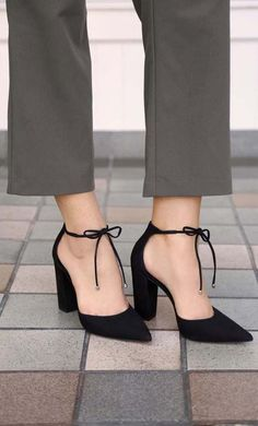 BLACK NUBUCK LEATHER BLOCK HEEL PUMPS