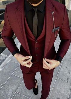 Mens Maroon Suit ready to wear. – [pin_pinter_full_name] Mens Maroon Suit ready to wear. Mens Maroon Suit ready to wear. Fashion Mode, Fashion Outfits, Fashion Ideas, Style Fashion, Fashion Trends, Terno Slim, Mode Costume, Designer Suits For Men, Wedding Men