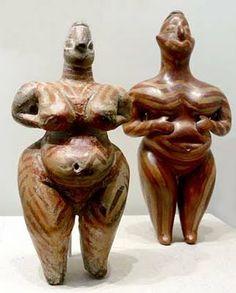 Hacilar Figurines Hacilar, Anatolia ( Modern Turkey ) ca - B. Sculptures Céramiques, Art Sculpture, Ancient Goddesses, Gods And Goddesses, Ancient Aliens, Ancient History, Cradle Of Civilization, Mother Goddess, Goddess Art