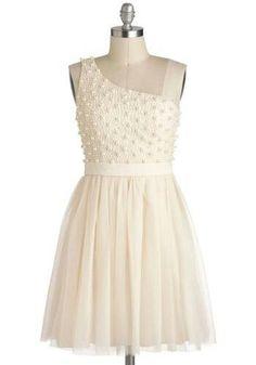 Such a cute bridesmaid dress.