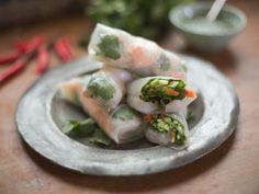 Vietnamese Fresh Prawn Summer Rolls Recipe from Cooking Channel Vietnamese Rolls, Vietnamese Recipes, Asian Recipes, Ethnic Recipes, Vietnamese Food, Summer Rolls, Spring Rolls, Cooking Channel Shows, Fish And Seafood