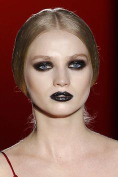 Black lips #makeup #makeuptutorial #eyesmakeup #maquillaje #makeupcourse #fashioncourse #onlinemakeupcourse #maquillage #gothic