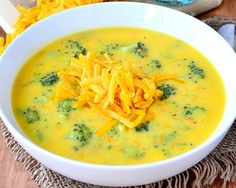 Perfect Broccoli Cheese Soup is perfectly thick, creamy, and cheesy. The ultimate comfort food! Thanks Iowa Girl Eats! Chili Recipes, Soup Recipes, Cooking Recipes, Free Recipes, Pasta E Fagioli Soup, Broccoli Cheese Soup, Broccoli Cheddar, Soup And Sandwich, Soup And Salad