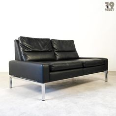 New on www.19west.de: A sofa from the series 800 designed in the 1960's by Hans Peter Piel for Wilkhahn. #19west #vintage #design #designclassic #sixties #sofa #wilkhahn