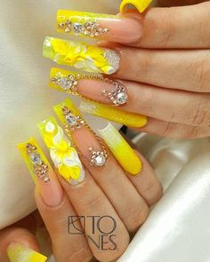 cute nail art designs can reflect the bright, cheerful summer. These 15 ideas will inspire you. You can express joy, cheerfulness, and bright days with the right nail arts. Gold Glitter Nails, Rhinestone Nails, Bling Nails, 3d Nails, Long Nail Designs, Cute Nail Art Designs, Beautiful Nail Designs, Perfect Nails, Gorgeous Nails