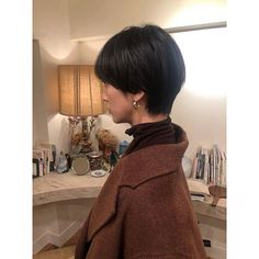 Pin on hair Short Hair Cuts, Short Hair Styles, Hear Style, Short Bob Hairstyles, Beauty Routines, Pixies, Hair Pins, Hair Makeup, Hair Color