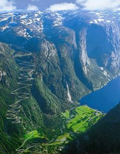 Count the hairpin turns on THAT road !! Lysefgorden, Norway
