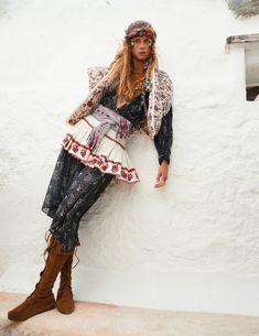 Vogue Paris, Emmanuelle Alt, Vogue Fashion, Boho Fashion, Fashion Vintage, Fashion Editor, Editorial Fashion, Hippie Style, Bohemian Style