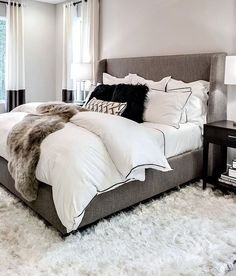 Furniture Bedrooms : White and gray cozy bedroom Home Decor Bedrooms : White and gray cozy bedroom. -Read More The post Furniture Bedrooms : White and gray cozy bedroom appeared first on Schlafzimmer ideen. Cozy Bedroom, Bedroom Inspo, Home Decor Bedroom, Stylish Bedroom, Bedroom Curtains, Bedroom Inspiration Cozy, Design Inspiration, Bedroom Neutral, Modern Bedroom