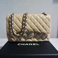 CHANEL CLASSIC IKONEN BAG DOUBLLE FLAP BEIGE SILBER Chanel, Vintage Fashion, Beige, Shoulder Bag, Couture, Ebay, Classic, Style, Clothing Accessories