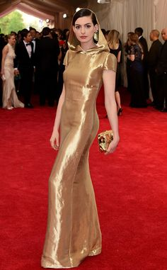 Anne Hathaway Wears Gold Hooded Dress to 2015 Met Gala: What Do You Think of the Robe-Inspired Gown?! Anne Hathaway, Met Gala 2015