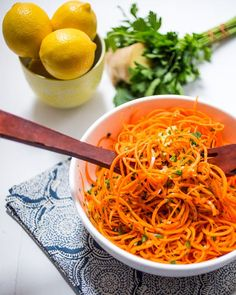 Spiralized Carrot Salad with Lemon Ginger Dressing from The Girl In the Little Red Kitchen (Vegetarian Recipes Weightloss) Carrot Recipes, Raw Food Recipes, Veggie Recipes, Healthy Dinner Recipes, Vegetarian Recipes, Cooking Recipes, Picnic Recipes, Party Recipes, Spiral Vegetable Recipes