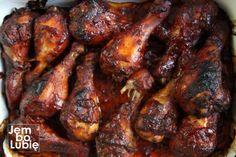 Amerykanie je uwielbiają. Fenomenalny sposób na pałki albo skrzydełka z kurczaka BBQ — Kulinarna Polska   Gotowanie i jedzenie Bbq Grill, Grilling, Chicken Wings, Pork, Meat, Barbecue Pit, Pork Roulade, Barbecue, Crickets