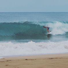 Beach Break Bowls for the win... what a great year it has been so far. ______________________________ #sandybeach #whateverpuertorico #hashtagpr #puertoricodoesitbetter #wavesfordays #igerspr #puertoricolohacemejor #swell #loverinconpr