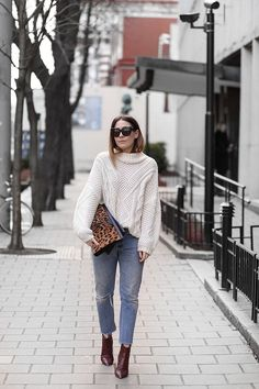 CHUNKY KNIT AND DENIM