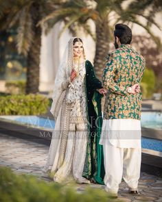 Fav couple 💕 #mahasphotography #weddingphotography @brideofthedayy @hiraanwer3 @xproductionsmedia #signature #shoot #bridalshower…