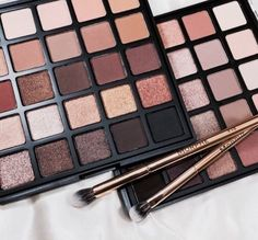 Neutral eyeshadow colors will always be in style and go with every outfit. So, here are some neutral eyeshadow colors you should always have in your makeup bag. Makeup Goals, Makeup Inspo, Makeup Inspiration, Makeup Tips, Makeup Products, Makeup Style, Beauty Products, Neutral Eyeshadow, Colorful Eyeshadow