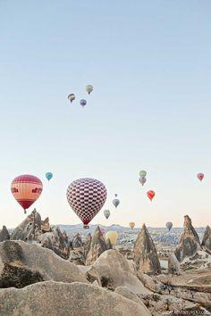 Magical Experience Riding Cappadocia Hot Air Balloons in Turkey // http://localadventurer.com