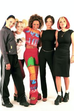 Portrait of UK pop group The Spice Girls (Victoria Beckham, Melanie Brown, Emma Bunton, Melanie Chisholm and Geri Halliwell) photographed in London in Job: 34206 Ref: SDD - Non-Exclusive - World Rights Only Baby Spice Costume, Spice Girls Costumes, Girl Costumes, Ginger Spice Costume, Halloween Costumes, Baby Spice Outfits, 2000s Fashion, Girl Fashion, Fashion History