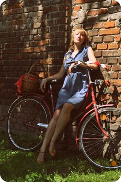 #vintage #bicycle in #Krakow  photoshoot for www.bikebelle.com