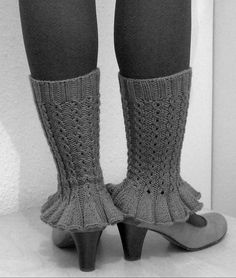"Free Knitting Pattern for Devant la cheminée - Mona NicLeoid's legwarmers feature a simple faux cable pattern and cute ruffles. FYI, the name of the pattern means ""In front of the chimney"" in French though the pattern is in English Knitting Patterns Free, Knit Patterns, Free Knitting, Free Pattern, Crochet Shoes, Knit Crochet, Knit Stockings, Stocking Pattern, Knit Boots"