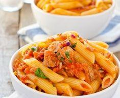 pâtes, tomate concassée, thon, oignon, thym