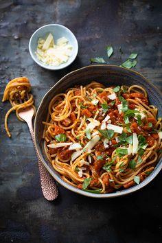 Spaghetti Bolognese, Italian Dishes, Italian Recipes, Pasta Recipes, Dinner Recipes, Risotto, Happy Foods, Evening Meals, Food Inspiration