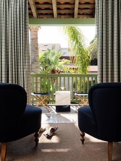 Palihouse Santa Barbara offers guests an intimate and elegant coastal hideaway in the heart of Santa Barbara's downtown Historic Presidio Neighborhood. It features 24 spirited and handsomely appointed guest rooms and suites, all situated amongst a tranquil Mediterranean style courtyard, sparkling pool area and a delightful garden café, cocktail bar and lobby lounge. Restaurant Photos, Child And Child, Santa Barbara California, Lobby Lounge, Outdoor Balcony, Garden Cafe, How Many Kids, Cozy Fireplace, Guest Suite