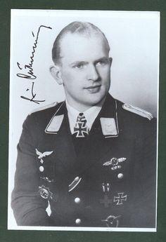 """Portrait du """"Leutnant"""" Erwin Diebisch lors de sa remise de la Ritterkreuz des Eisernen Creuses comme pilote du 9./Sturzkampfgeschwader 1  15 octobre 1942"""