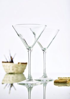 Buy a set of 6 Hostelvia Cocktail Glasses online from Kitchen Junky - South Africa. Mix up your favourite drinks with this classically designed cocktail glass. Cocktail Glass, Martini, Cocktails, Glasses, Tableware, Craft Cocktails, Eyewear, Eyeglasses, Dinnerware
