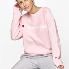 New Womens Champion Pink Logo Script Reverse Weave Crewneck Sweatshirt Sz  Small  Champion  Sweatshirt 1084c73b9