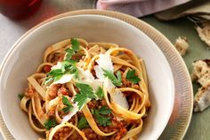 Don't knock it until you try it. This healthy vegetarian bolognese recipe features high protein lentils as a substitute for mince. Vegetarian Bolognese, Bolognese Recipe, Lentil Bolognese, Veggie Recipes, Vegetarian Recipes, Dinner Recipes, Vegetarian Curry, Savoury Recipes, Potato Recipes