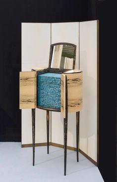 meuble à bijoux.....jewelry cabinet ébène blanc & marqueterie de paille white ebony & straw marquetery
