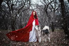 Photographer recreates fairytales using real animals (Merida outrages me because he made her a skanky viking,she's not Nordic.What's the point of that armor,it's not going to protect anything,if you're going to do something traditional then do that,don't sully it because you want more views or money)