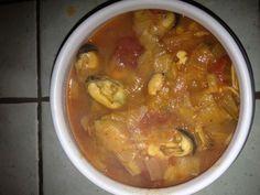 tomate concassée, poivre, moules, poireau, coquillettes, beurre, sel, safran