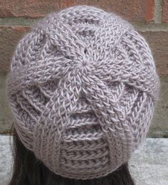 Ravelry: Bailey Textured Beanie pattern by AlyseCrochet Crochet Beret Pattern, Gilet Crochet, Crochet Beanie Hat, Beanie Hats, Knitted Hats, Knitting Patterns, Crochet Patterns, Diy Crafts Crochet, Crochet Projects