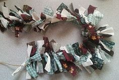 How to make a garland with scraps of fabric.