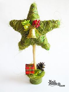 """Сomposition-topiary """"Cristmas star"""" #knitmade #knitmadeflowers #knitmadenews #star #green #topiary #christmas #newyear"""