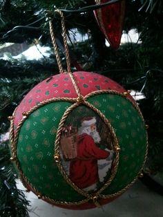 Pallina di Natale in patchwork senz'ago