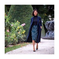WALK THIS WAY: Our #PFW style ambassador, Nicole Warne, was the picture of Parisian chic as she strolled through the gardens outside Museé Rodin. Follow along on Instagram Stories for even more insider inspiration — live from the shows. #SS17