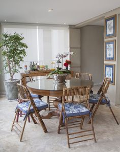 Um décor para toda família. Veja: http://www.casadevalentina.com.br/projeto s/detalhes/perfeito-para-toda-familia-601 #decor #decoracao #interior #design #casa #home #house #idea #ideia #detalhes #details #style #estilo #casadevalentina #diningroom #saladejantar