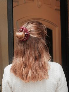 Chouchou bordeaux à fleurs - Odette – Scrunchie is back Scrunchies, Fashion, Burgundy Flowers, Hair, Moda, La Mode, Fasion, Fashion Models, Trendy Fashion