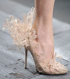 Sculptured Valentino lace pumps
